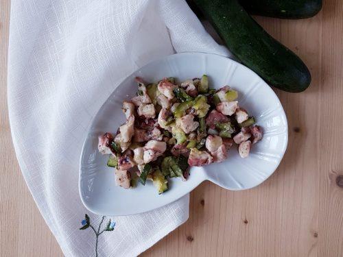 Polpo in padella con zucchine e porri