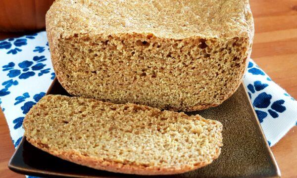 Pane integrale alla zucca con macchina del pane