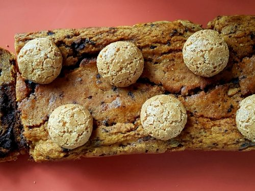 Plumcake alla zucca amaretti e cioccolato
