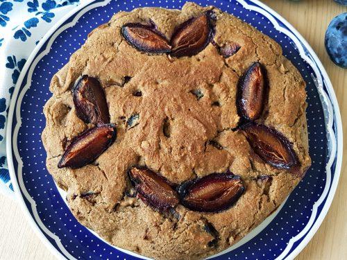 Torta integrale alle prugne e cannella