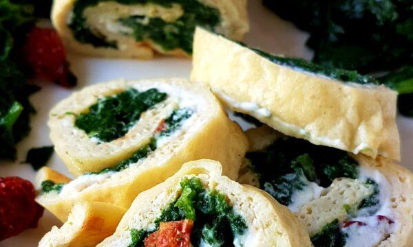 Rotolo di frittata ricotta, spinaci e pomodori secchi