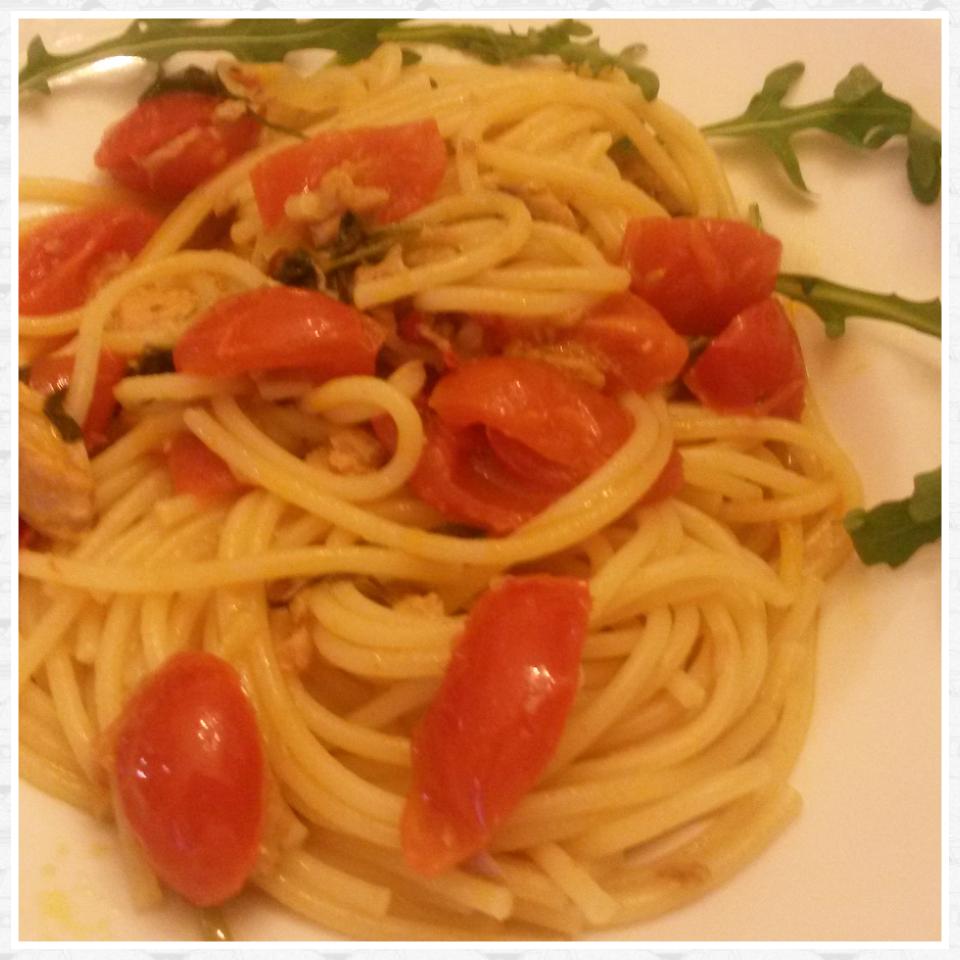Spaghetti tonno, rucola e pomodorini