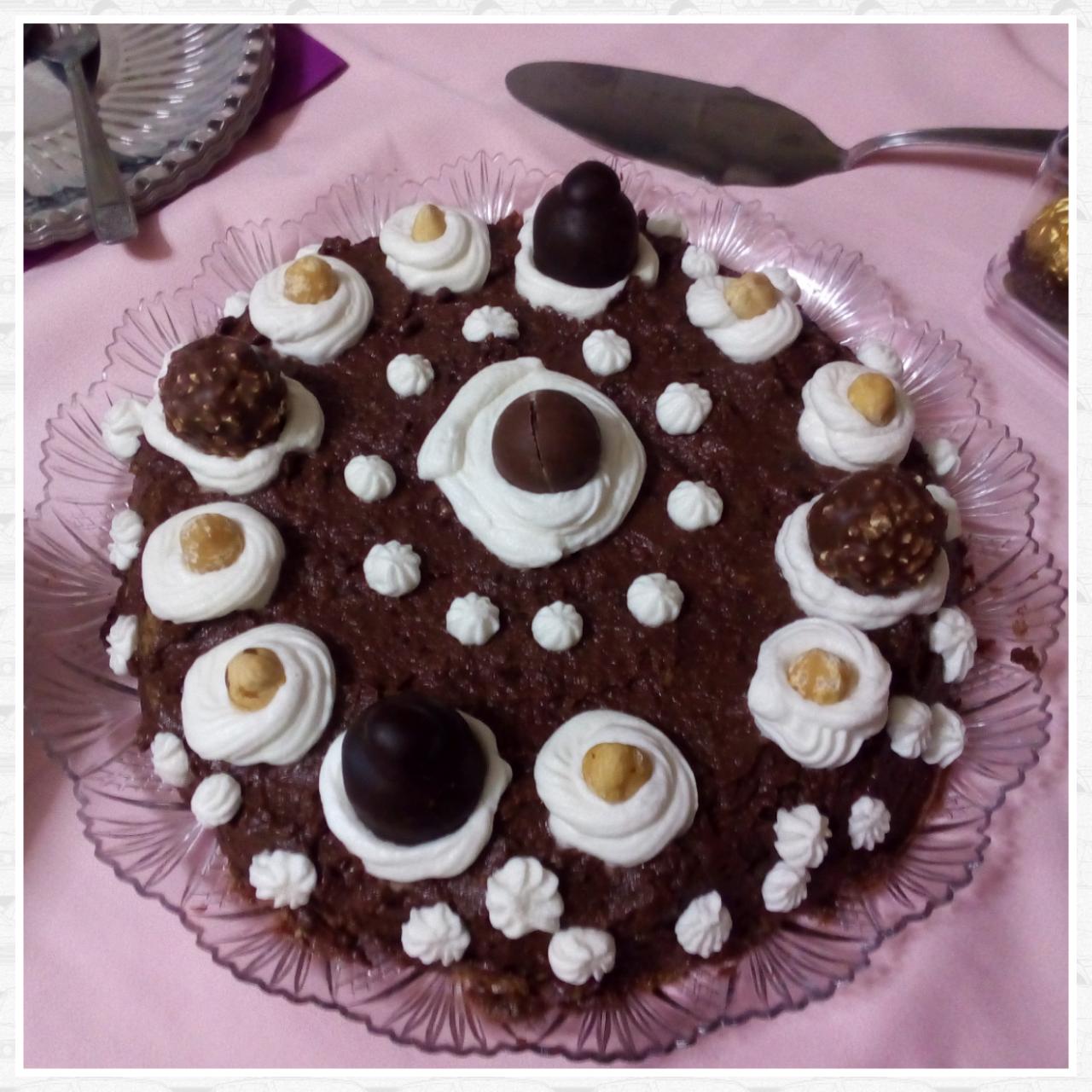 Torta pandoro con crema cioccolato e wafer
