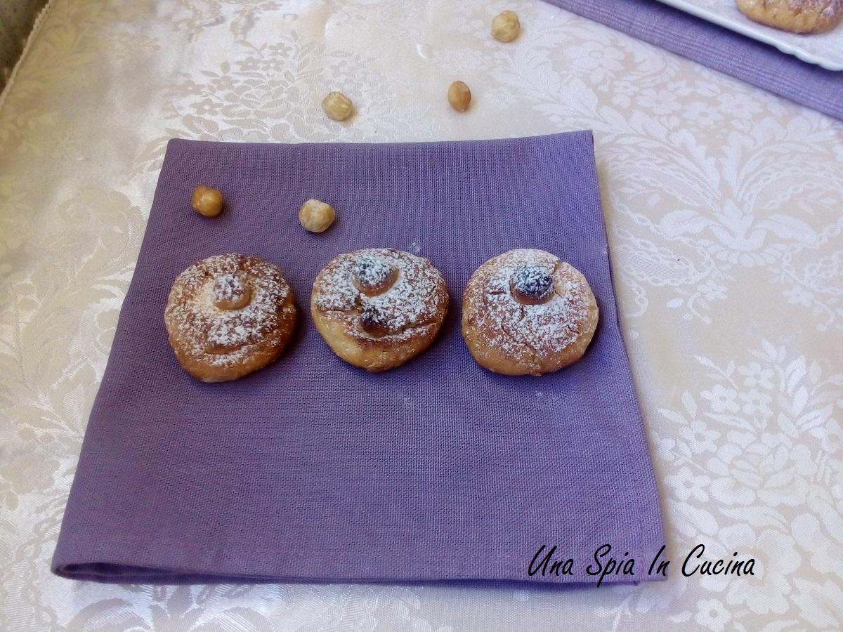 Biscotti nocciole e panna