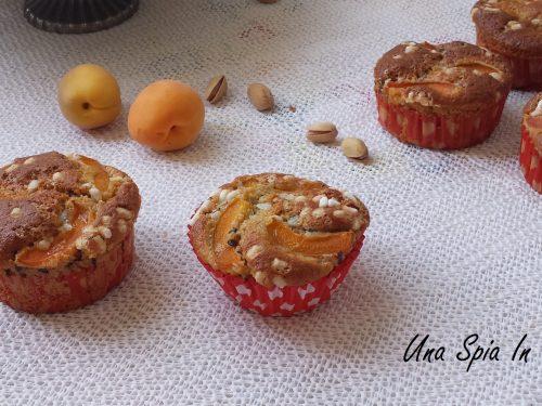 Muffin con albicocche e farina di pistacchi