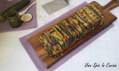 Timballo di riso al pesto foderato con zucchine