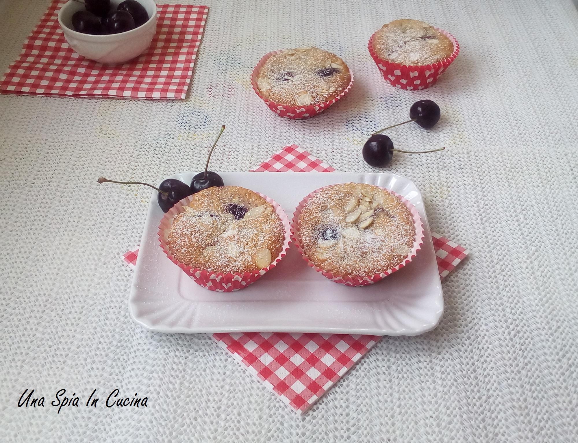 Muffin alle ciliegie con farina di mandorle