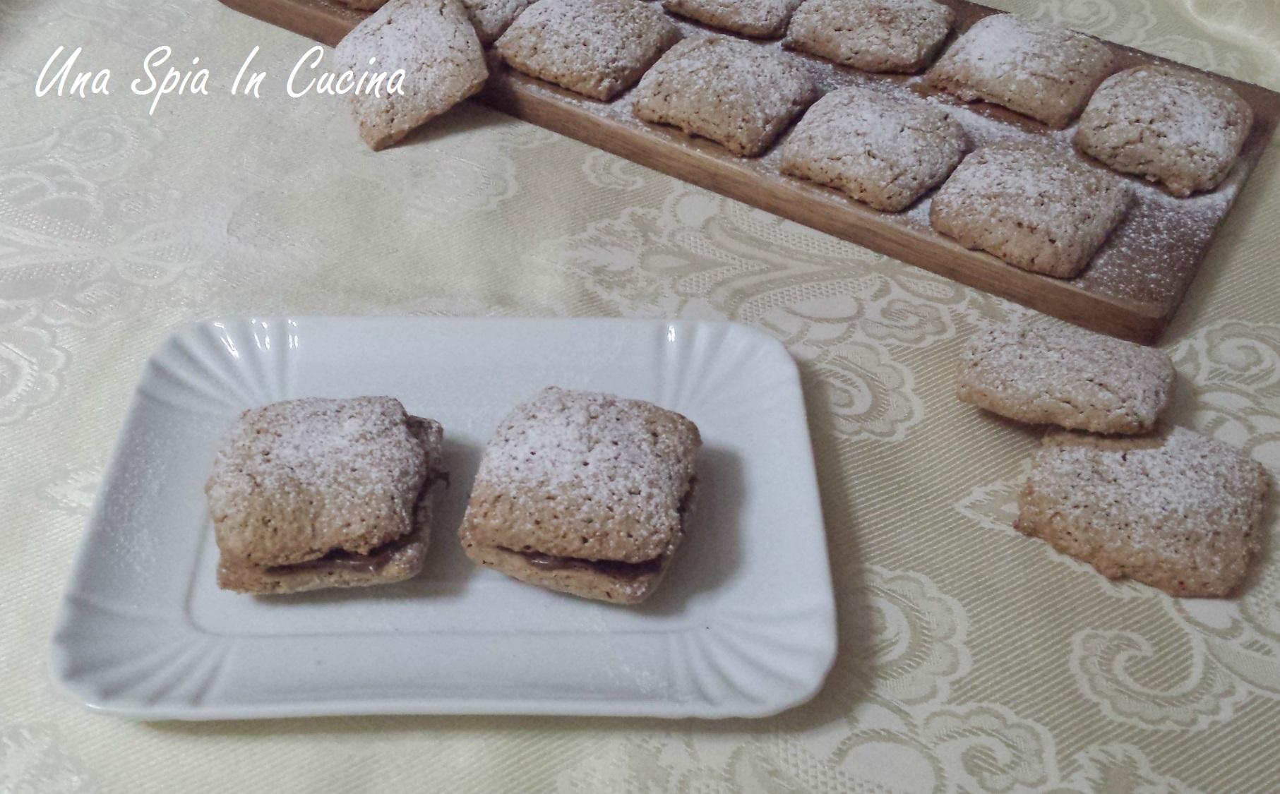 Biscotti con farina di avena e latte di mandorle