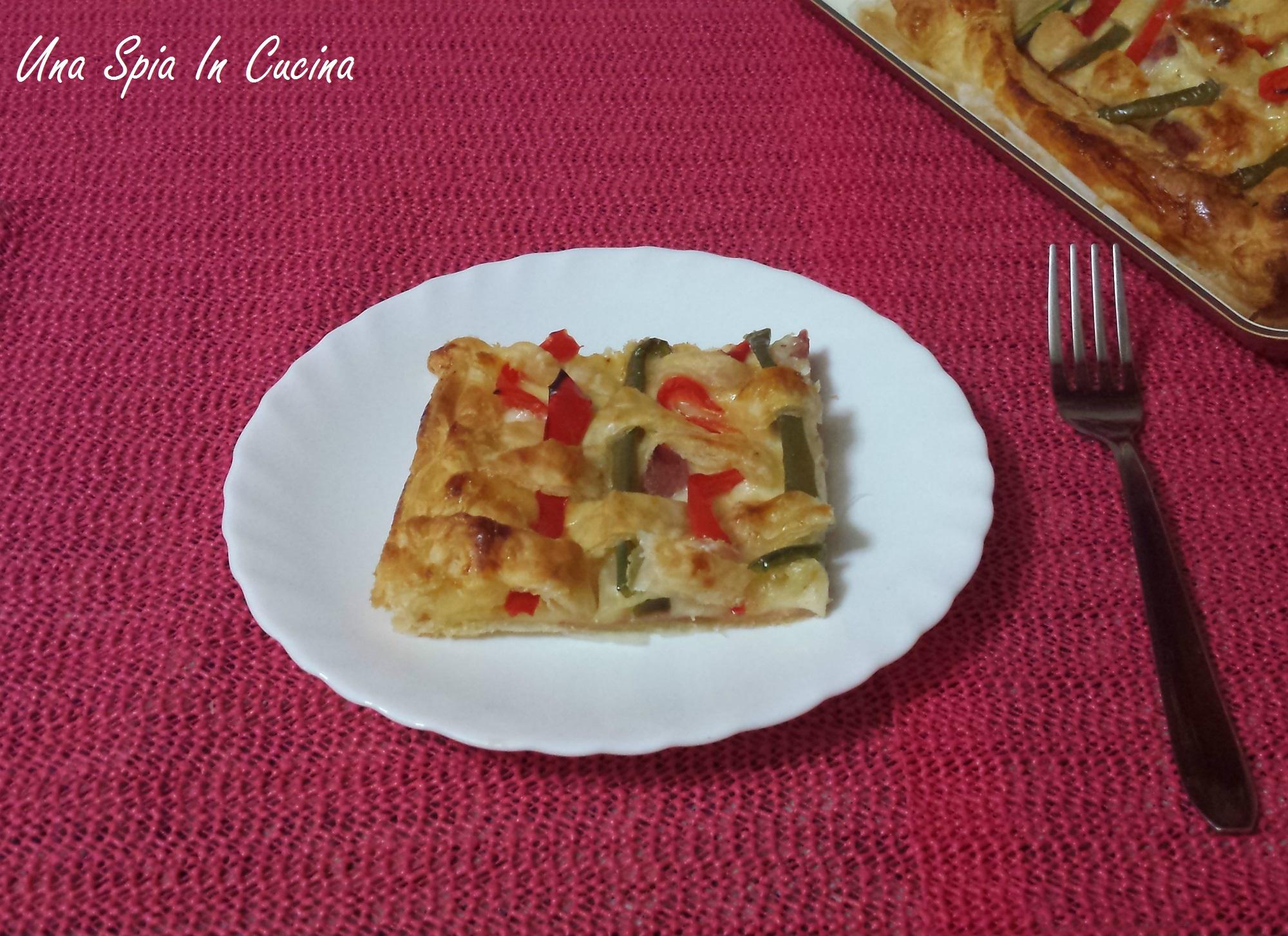 Sfoglia ai peperoni con prosciutto e formaggio