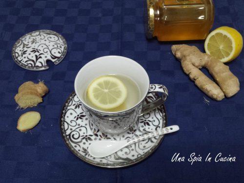 Tisana allo zenzero con limone e peperoncino