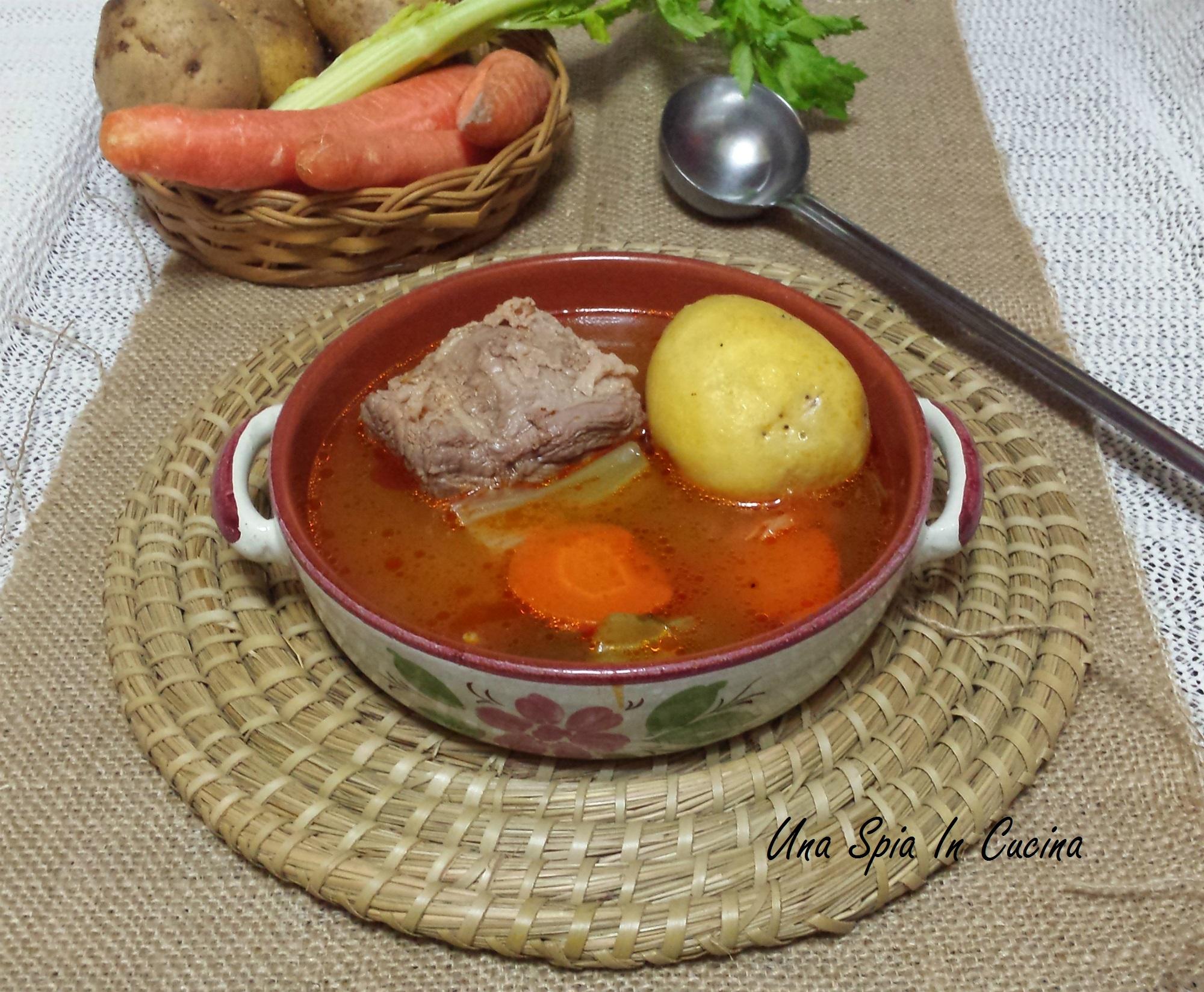 carne bollita