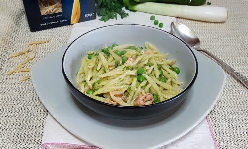 Trofie al salmone con crema di zucchine e piselli