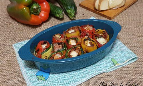 Involtini di peperoni e zucchine grigliate con speck e provola