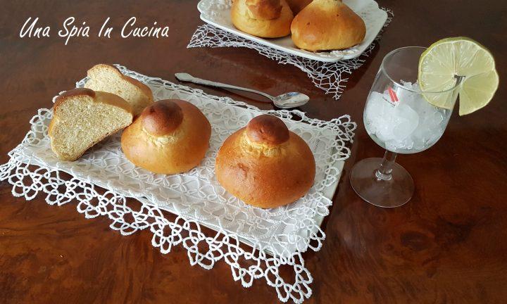Brioche col tuppo - Ricetta della pasticceria siciliana