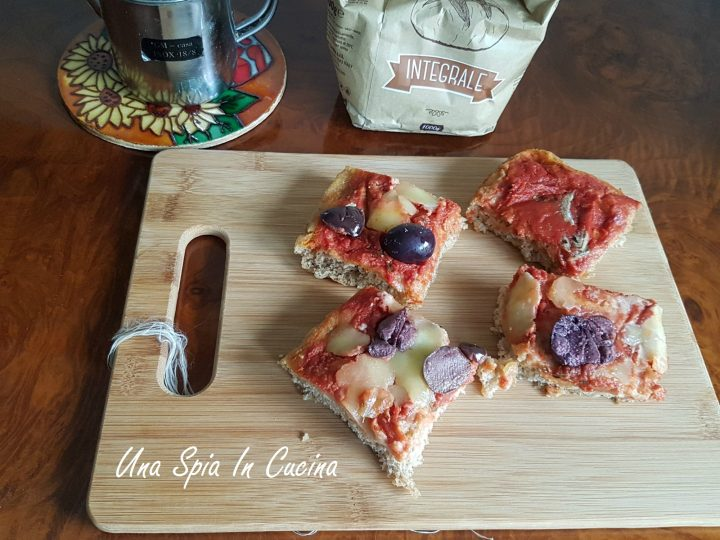 Pizza con farina integrale a lunga lievitazione