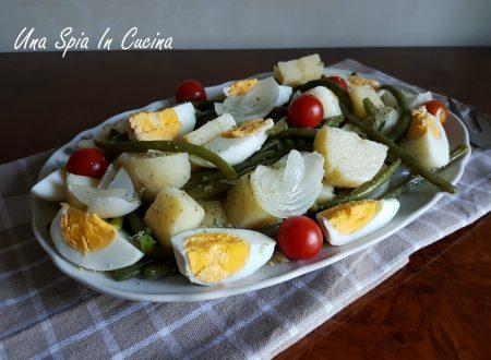 Insalata di patate con fagiolini e uova sode