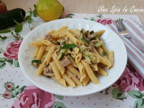 Pasta zucchine e tonno al profumo di menta e limone