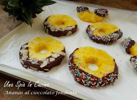 Ananas al cioccolato fondente