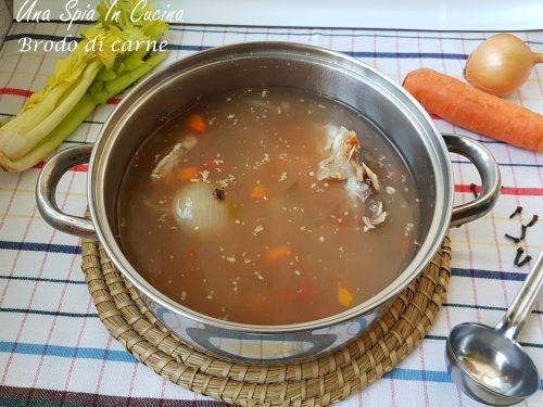 Brodo di carne per risotti, minestrine e tortellini