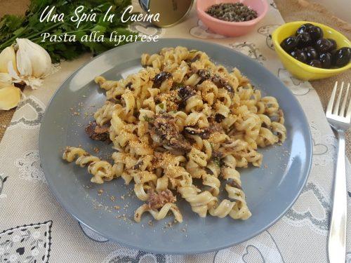Pasta alla liparese con tonno, olive e capperi