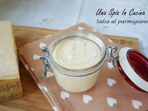 Salsa al parmigiano reggiano versatile e sfiziosa