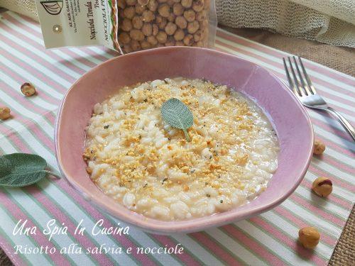 Risotto alla salvia e nocciole  – raffinato primo piatto