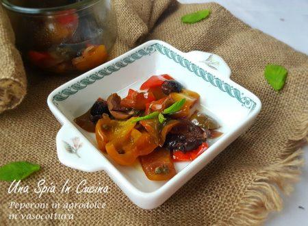 Peperoni in agrodolce in vasocottura con olive e capperi