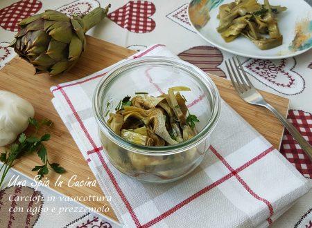 Carciofi in vasocottura con aglio e prezzemolo