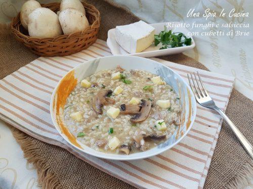 Risotto funghi e salsiccia con cubetti di brie