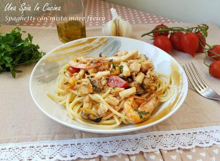 Spaghetti con misto mare fresco ricchi e saporiti