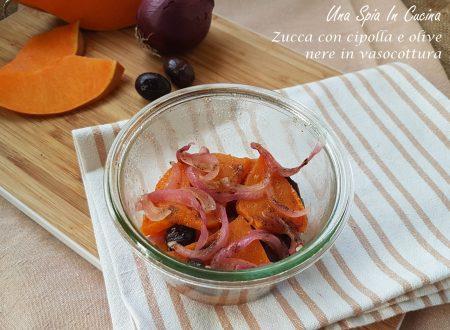 Zucca con cipolla e olive nere in vasocottura