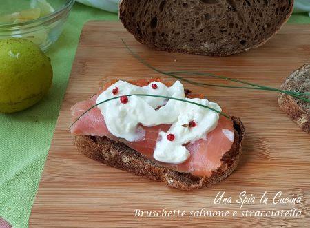 Bruschette salmone e stracciatella
