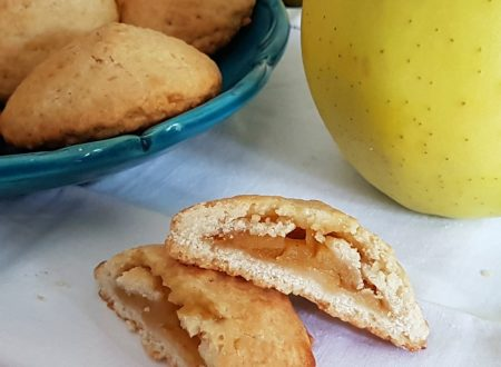 Biscotti cuore di mele dal goloso ripieno
