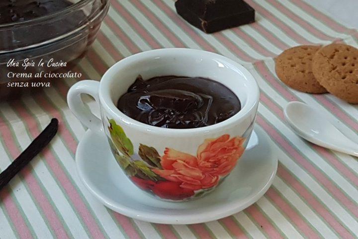 Crema al cioccolato fondente senza uova