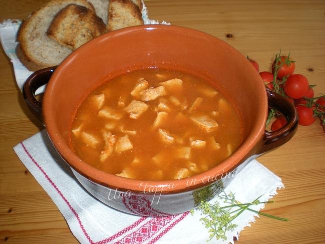Zuppa di pollo al finocchietto selvatico