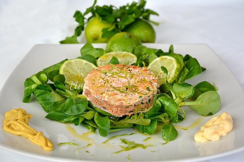 Hamburger di salmone al lime