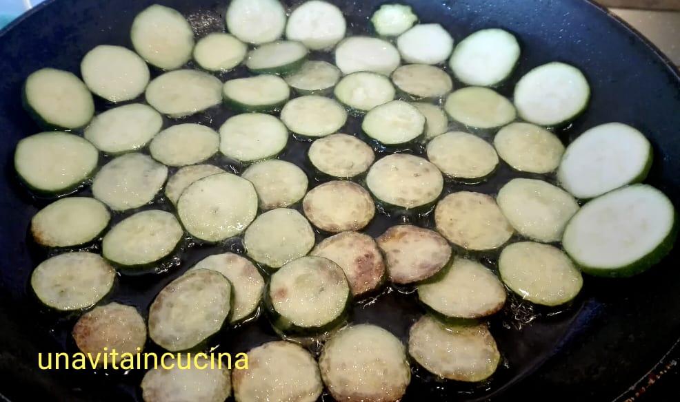 Linguine con vongole e zucchine