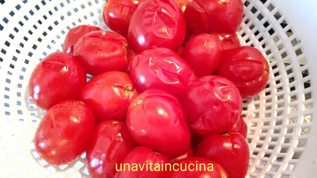 Pomodori pelati