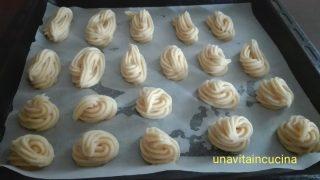 Cigni di pasta choux