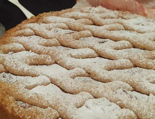 Crostata con crema nocciola