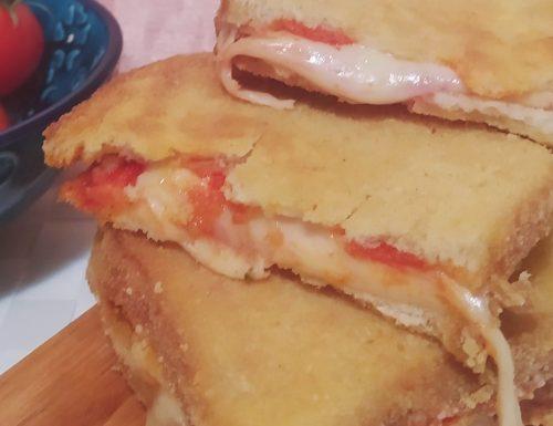 Mozzarella in carrozza alla pizza
