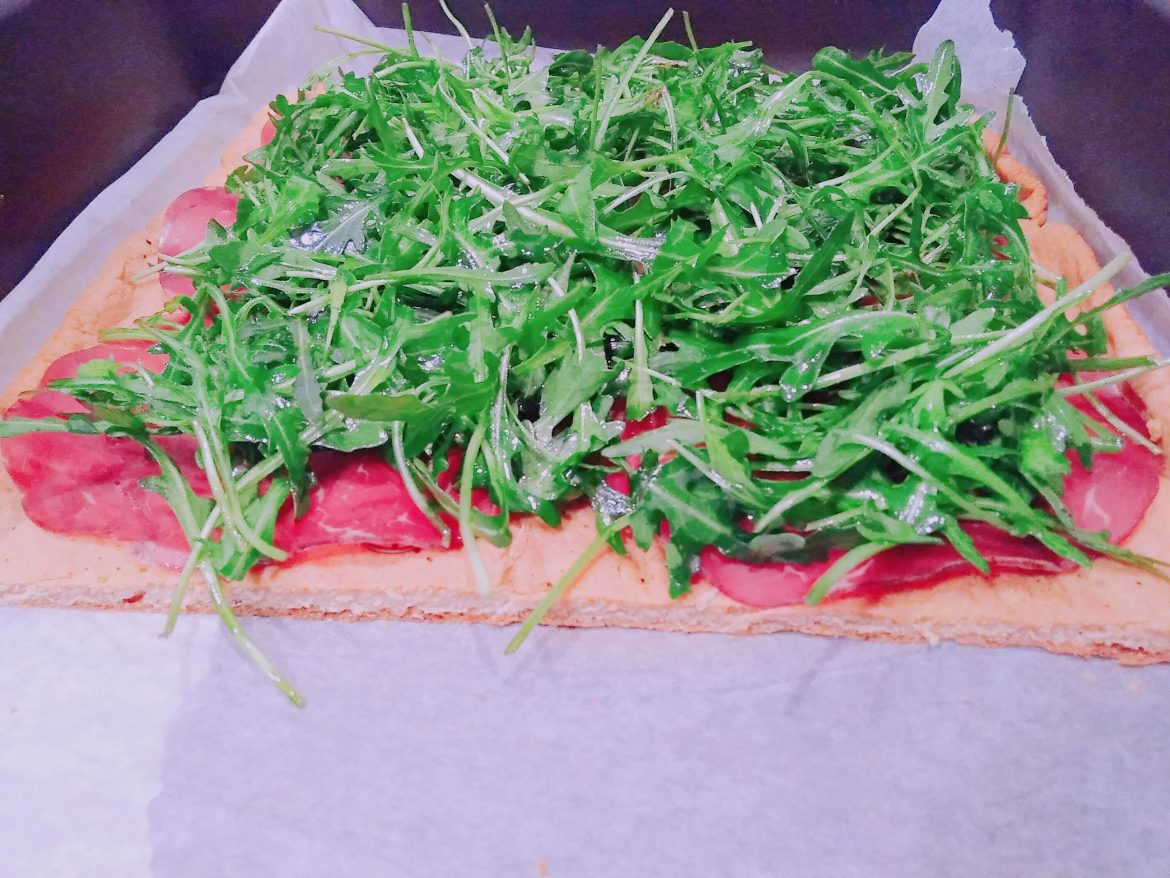 Pizza proteica low carb: pizza fit