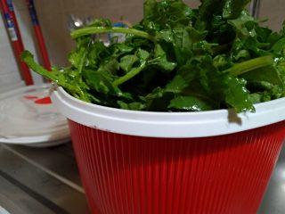 Broccoletti ripassati in padella: un controno invernale goloso e senza sale. Veloci, al microonde