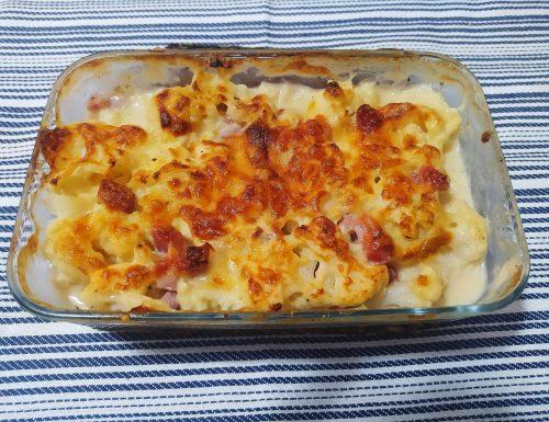 Cavolfiore gratinato con prosciutto e formaggio