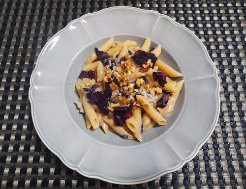 Pasta gorgonzola e radicchio