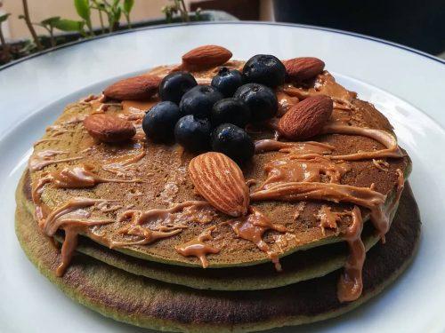 Pancakes all'alga spirulina