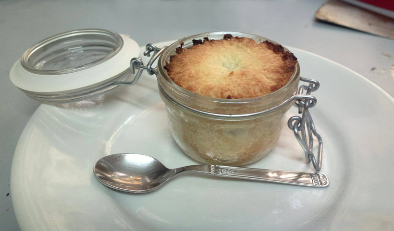Mini crostata di mele in vasetto - Apple pie in a jar