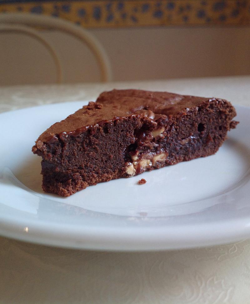 Torta milka brownie al caramello e nocciole