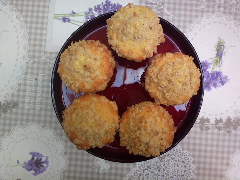 Muffin con crumble alle chips di banana