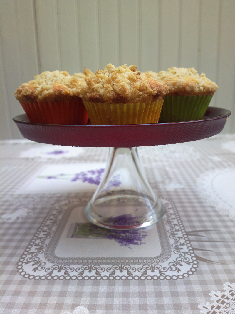 Muffin con crumble alle chips di banana
